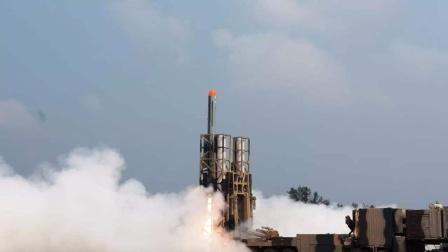 印度这次脸丢大,最新导弹试射失败,偏离目标200公里差点出事