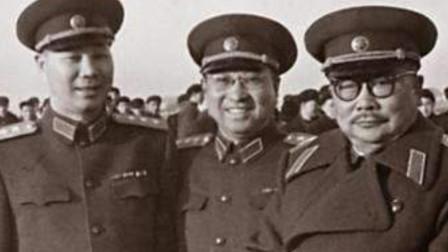 1955年授衔仪式上,一个从没带过兵的特殊人物,被授予了上将军衔