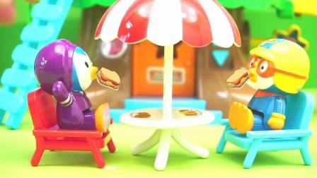 小企鹅啵乐乐的树屋游乐场玩具,小朋友喜欢玩吗?