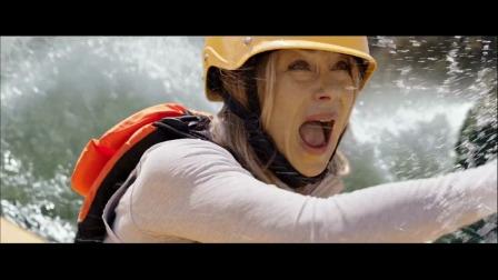 一家四玩皮划艇,差点掉进了万丈悬崖!