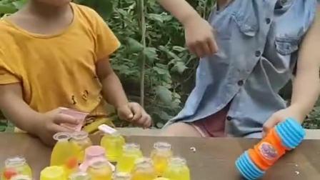 童年乐趣:果冻好吃吗