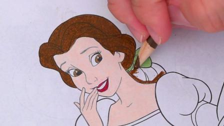 美女与野兽动画中在城堡中过万圣节的贝儿卡通漫画