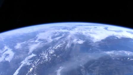 百看不厌,从地面看过白云,那你从太空看见过吗?