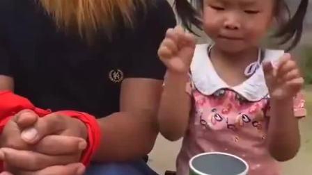 趣味童年:大怪兽被宝贝绑起来啦