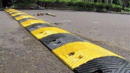 减速带对汽车的伤害有多大?怎样正确过减速带?