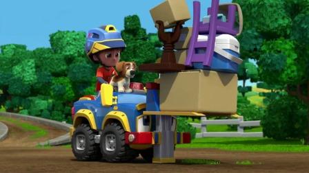 机灵宠物车:奔奔来当警报器,场面瞬间变得和谐,真是超棒的一天