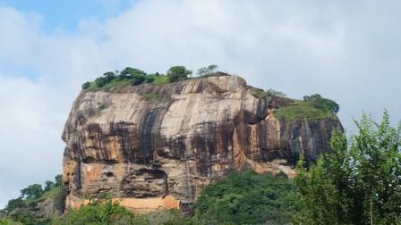 世界第八大奇迹!坐落于180米的岩石之上,隐藏上千年才被发现