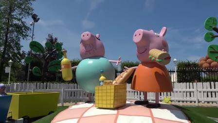 美国儿童时尚,小萝莉让哥哥品尝,她制作的桑葚冰淇淋