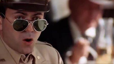 第二十二条军规:美女太美了,连军官都看入迷,真是天使的脸庞!