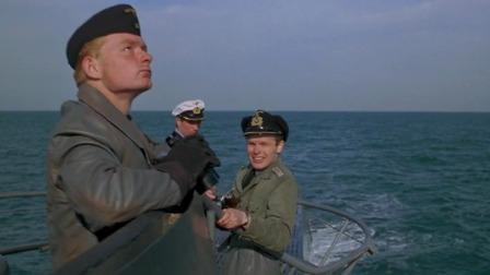 德国二战时期潜艇是什么样的,跟随军队记者参观德国潜艇