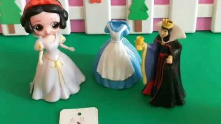 王后又欺负白雪,仙子封印了王后,该封印王后多长时间呢