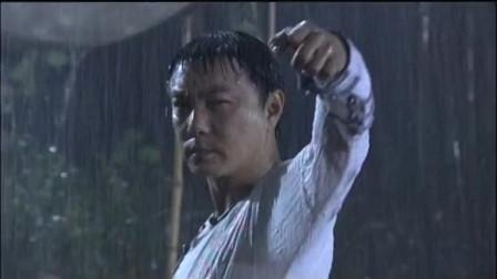 仁者黄飞鸿:黄飞鸿和高手在雨中激战,高手出招凶猛无比