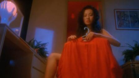 午夜十二点穿红衣服的鬼最猛,她就想做最猛的女鬼