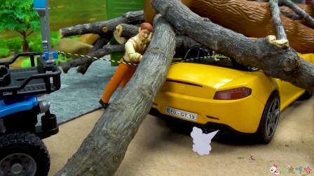 成长益智玩具,道路工程车被木头压到,警察和吊车帮忙清理