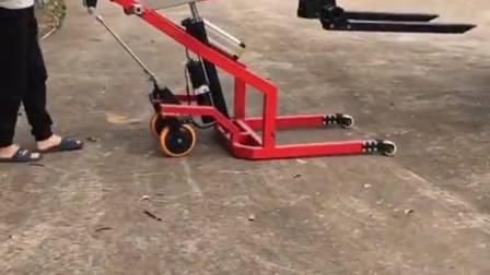 小伙自造电动叉车,方便快捷可折叠,生活来自创造!