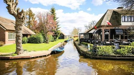 太美了!荷兰这座小镇被称为绿色威尼斯,来过的人都不想走