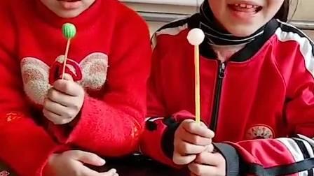 童年趣味故事:妈妈姐姐有糖吃 我也要