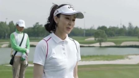 胡静:1998年出演首部电影《网络时代的爱情》而获得关注。