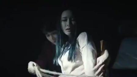 碟仙之毕业照:男子赶来解救同学,却发现者是她?