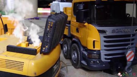 成长益智玩具,老款挖掘机需修理,吊车行驶转移挖掘机!