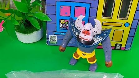 蝎子精抓住了小猪一家,把他们装到了袋子里,结果小猪们发现袋子是坏的!