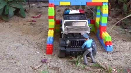 成长益智玩具,工程车马达坏了,施工人员手推工程车!