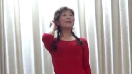洋雪梅广场舞《送情郎》天空也放晴,想要说给你听。