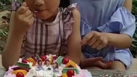 幸福童年:今天我生日,我说了算