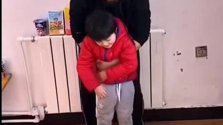 亲子游戏:宝贝和爸爸在魔法爱心里面变没了