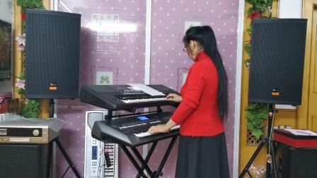 《黄土高坡》视频双电子琴演奏
