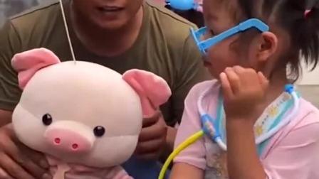 亲子游戏:芭比娃娃好勇敢呀,奖励你一瓶旺仔牛奶吧