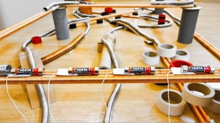 世界上最长的简易电磁火车,轨道20米能玩上一整天