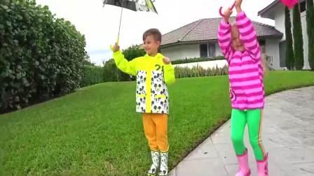 美国时尚儿童:萌宝兄妹两下雨天,要去哪里玩呢