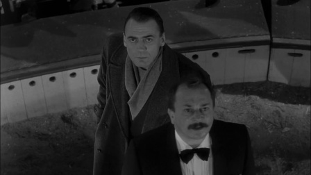 《柏林苍穹下》小时候看不懂,被猪队友坑惨了(4)
