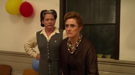 《裁缝》这演技杠杠的,凯特·温丝莱特和凯瑞·福克斯演技炸裂(3)
