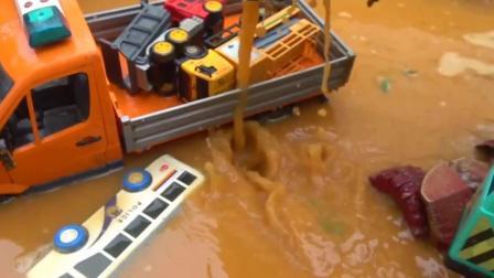 儿童玩具车表演:挖掘机救援事故小汽车!