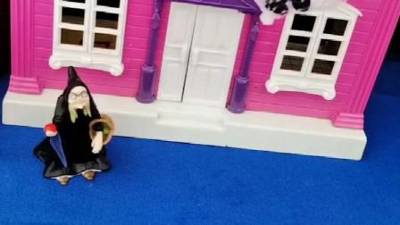 巫婆婆抓了乔治,小猪们把他救走了,把巫婆婆关起来了!