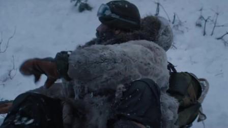 退役军人失足,被狼群包围,一箭封喉,吊炸天了