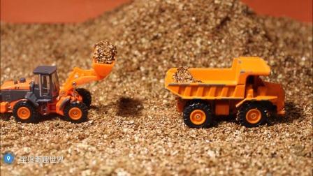 运土机、挖掘机、翻斗车施工现场