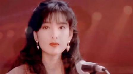华仔的十七岁配上那时香港八十年代的明星,突然有点怀念了