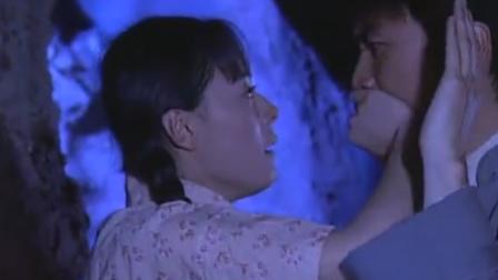 女学员碰到前男友,怎料下秒就抛弃了男军医,男军医傻眼了!