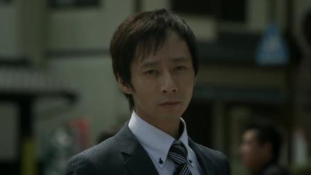 这才叫狠人话不多,日本姑娘电梯虐杀小流氓,招招毙命,下手凶残