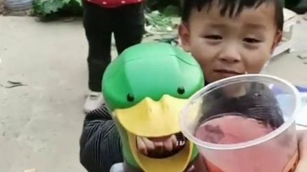 童年的乐事:你们到底要不要啊,不带杯子不带碗的