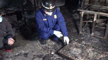 """湖北来凤:""""熊孩子""""一个假动作,结果自家客厅被烧毁"""