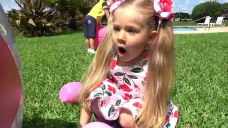 国外少儿时尚,小萝莉发现好多巨型玩具蛋,看起来好有趣呀