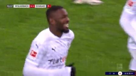 第52分钟门兴格拉德巴赫球员普利亚射门 - 被扑