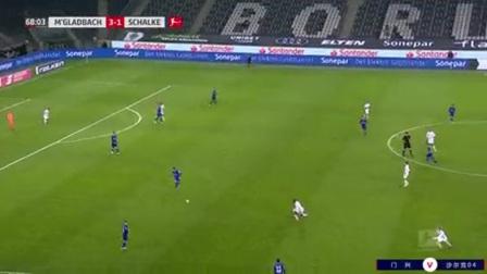 第68分钟门兴格拉德巴赫球员普利亚射门 - 被扑