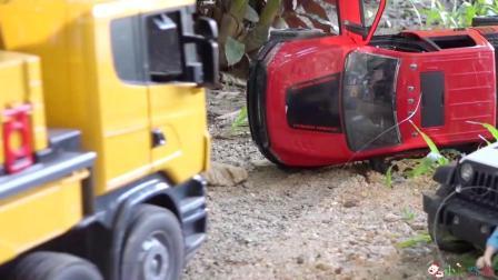 成长益智玩具,吊车现场救援事故机动车!