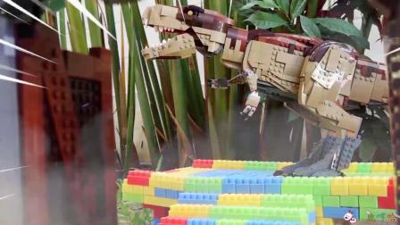 成长益智玩具,挖掘机现场工作发现三角龙!