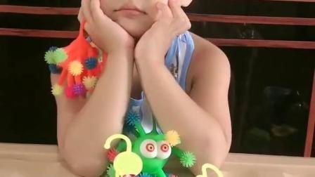 童年记忆:这个小朋友在干什么